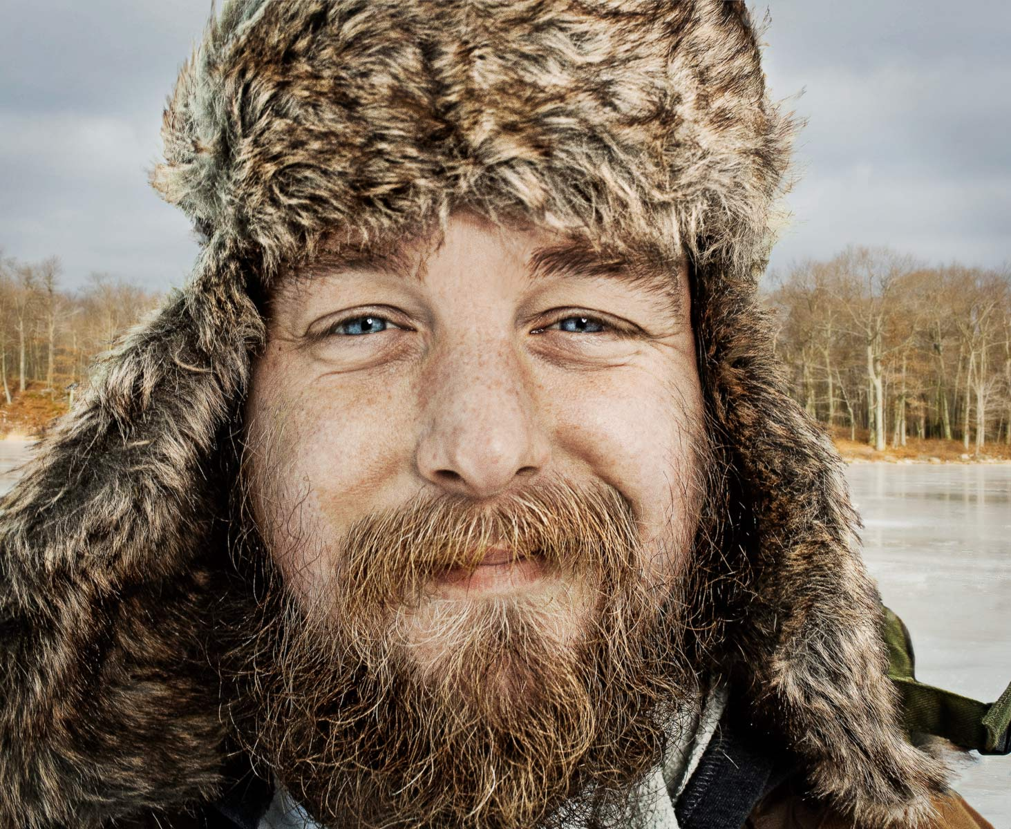 IceFisherman_CloseUp_Background_rough_V2